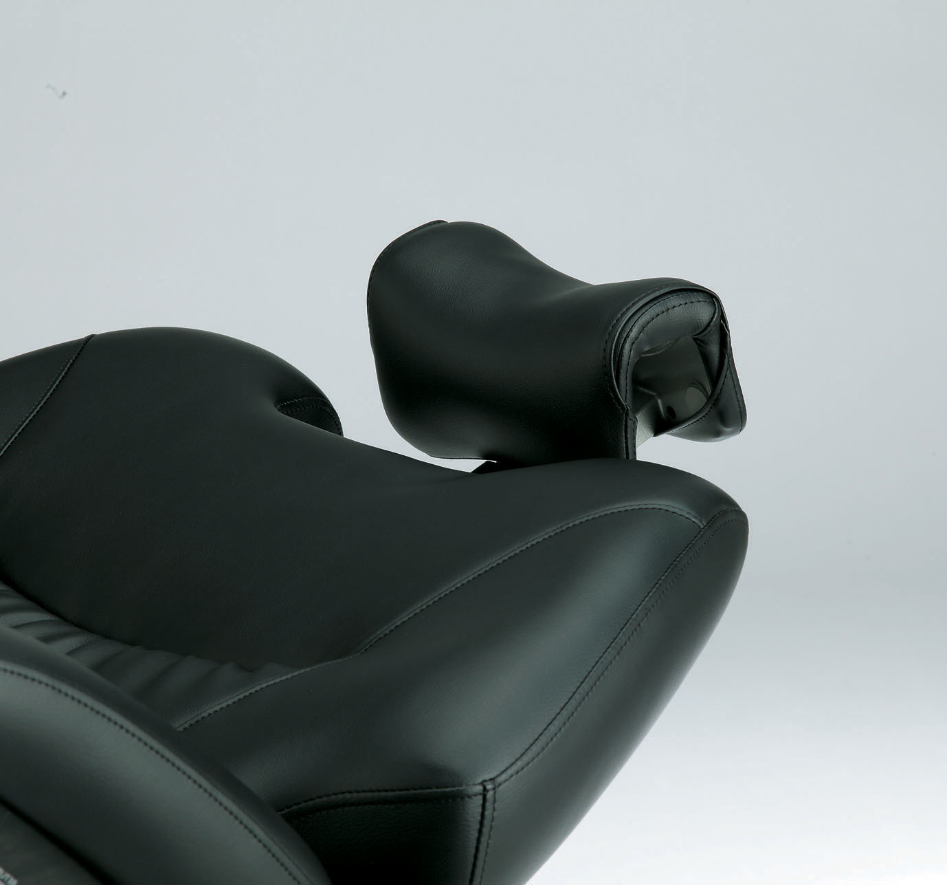 Rotate the Legends headrest 90 degrees.